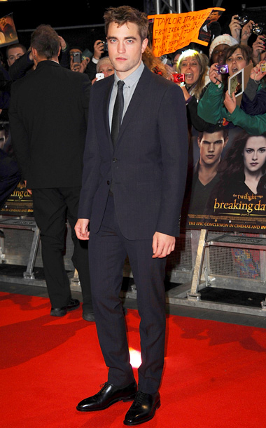 Robert Pattinson (in Burberry London) at the Breaking Dawn — Part 2 U.K. premiere in London