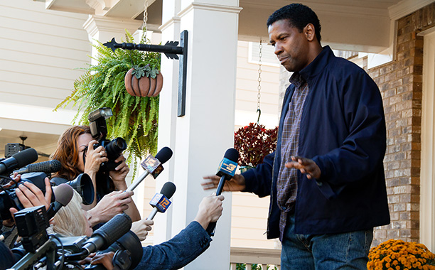 Denzel Washington as you've never seen him: stirringly troubled and neurotic as a veteran airline pilot whose hot-dog heroics rescue a crashing flight, even as…