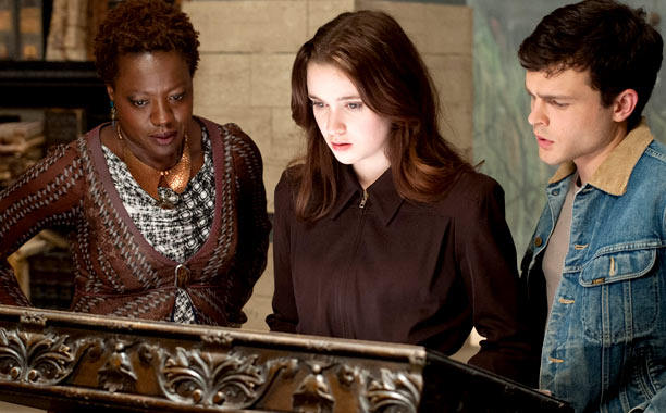 Coming Attractions: Beautiful Creatures, Dolly Why She'll Be Big: The 18-year-old daughter of Oscar-winning director Jane Campion ( The Piano ) has cut her teeth…
