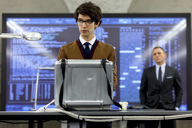 That accent! That big tuft of chocolate brown hair! That accent! As Q in the biggest James Bond installment yet, relative newcomer Ben Whishaw showed…