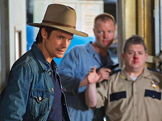 JUSTIFIED Timothy Olyphant, Terry Dale Parks, Patton Oswalt
