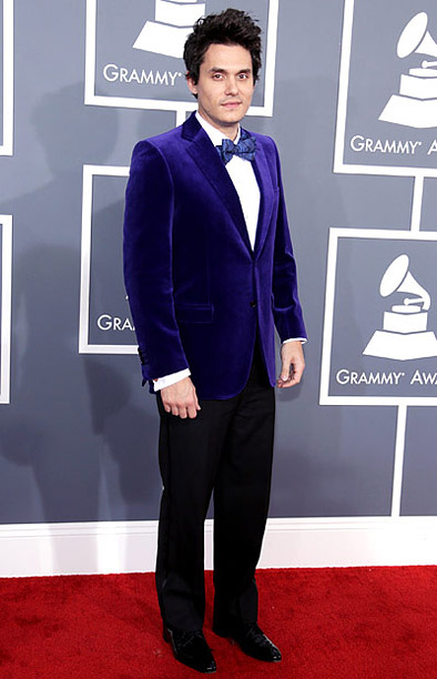 Grammy Awards 2013 | He wore blue velvet... Am I the only one who's getting a Willy Wonka vibe from this look? C