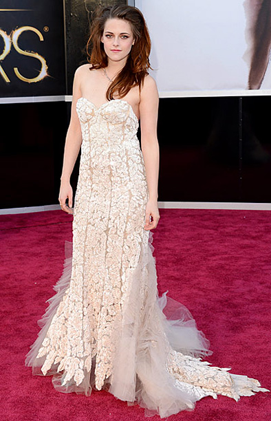 Style, Style: Red Carpet, ... | Sorry Twihards. Though Stewart gets points for ditching her crutches to walk the carpet, her ill-fiitting floral Reem Acra frock simply wasn't enough to stand…