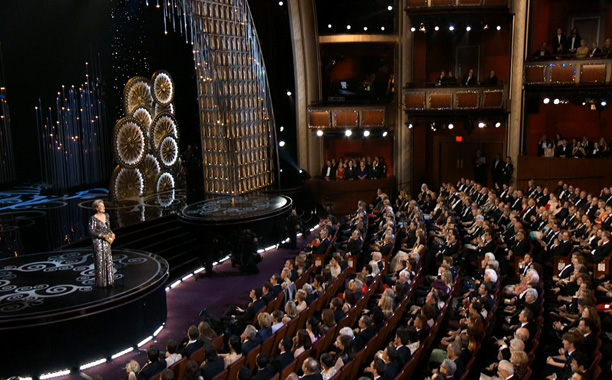 To quote MacFarlane, ''Ladies and gentlemen, our next presenter needs no introduction [ leaves stage ].'' La Streep wasn't nominated this year, but that didn't…
