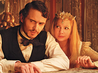 L'OZ'T IN SPACE James Franco and Michelle Williams are two of the stars in Sam Raimi's 'prequel' to the Wizard of Oz