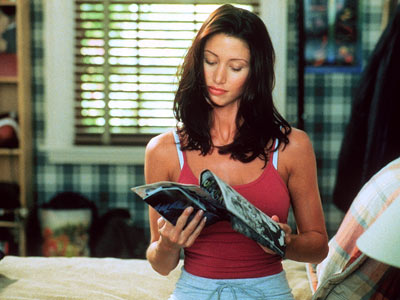 Shannon Elizabeth, American Pie | We know what you're thinking: Shannon Elizabeth talked in the 1999 sex-romp comedy? For those of you who might have been too distracted admiring her…