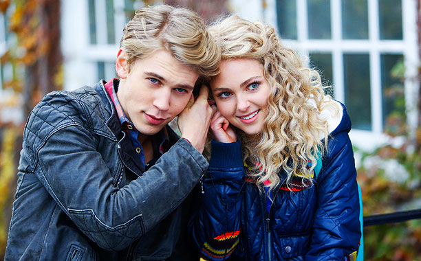 AnnaSophia Robb, The Carrie Diaries | The song: The Go-Go's, ''Head Over Heels'' The episode: ''Read Before Use'' (103) The hook: Carrie brought the neonalicious '80s flavor throughout its freshman season.…