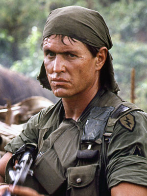 Platoon | Tom Berenger Platoon (1986) Throughout Oliver Stone's Oscar-winning Vietnam movie, Berenger's scarred, bitter war criminal Barnes and Willem Dafoe's still-idealistic, by-the-book Sgt. Elias are the…