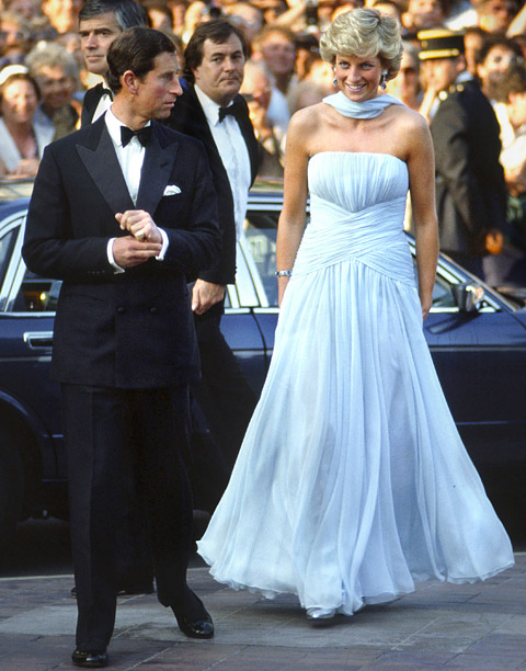 Style, Style: Red Carpet, ... | Princess Diana made an appearance at the 1987 Cannes film festival in a blue chiffon gown and matching scarf by one of her favorite designers,…