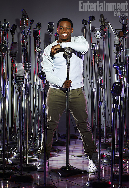 The Voice   Team Usher VEDO is an R&B singer from Atlanta. Crediting Usher and Michael Jackson as his inspirations, he is right at home with his coach.…