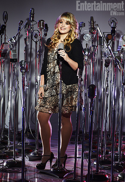 The Voice   Team Blake A full-time student at Baylor University — where she plays the saxophone in the marching band — Holly has been singing since she…