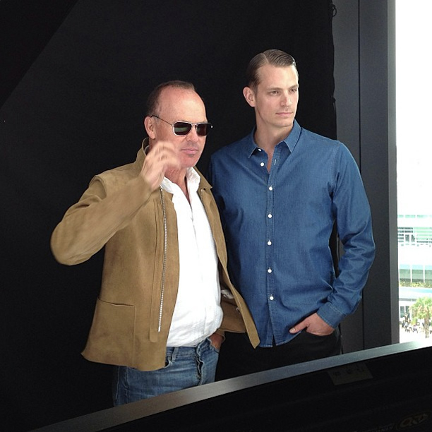 Joel Kinnaman, Michael Keaton, ... | Robocop 's Joel Kinnaman and Michael Keaton hit #ewcomiccon #kkenn2013
