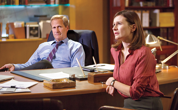 AND THE BEAT GOES ON Will McAvoy (Jeff Daniels) and MacKenzie McHale (Emily Mortimer) need to seriously consider the source of their scripts