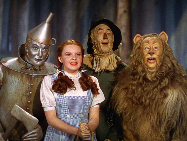 Directed by Victor Fleming The most powerfully odd and enchanting fairy tale to come out of Hollywood, the adventure of Dorothy in Oz has the…