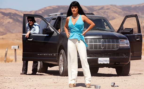 Salma Hayek, Benicio Del Toro, ... | Played by: Salma Hayek Whether it's her highly unladylike language, ruthless ability to murder for business, or frightening haircut, Elena is as merciless as cartel…