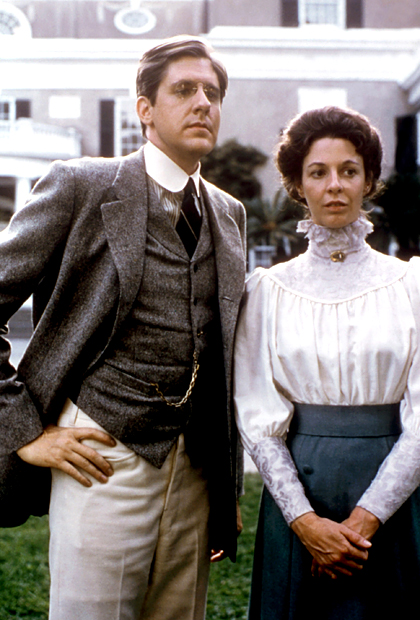 Jane Alexander, Edward Herrmann | In 1976, Jane Alexander embodied Eleanor Roosevelt at many ages in the TV miniseries Eleanor and Franklin . (Cynthia Nixon later portrayed the pioneering feminist…