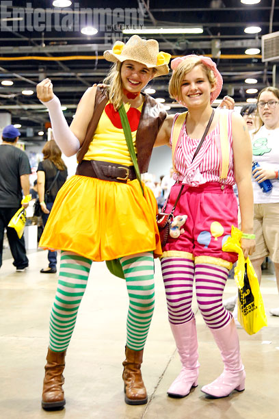 My Little Pony: Friendship Is Magic's Applejack and Pinkie Pie