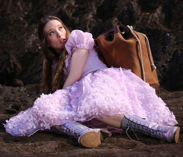 Must-Watch: Once Upon a Time in Wonderland (ABC, Oct. 10) Word on the street says this is the Once you love, but with a tighter…