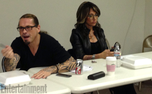Sons of Anarchy | Creator Kurt Sutter always has wife Katey Sagal on his left and the episode's director on his right. Sutter begins by giving the cast kudos…