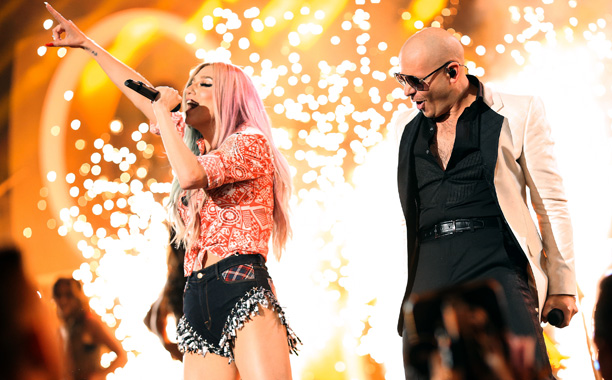 American Music Awards 2013 | The sparks flew during Pitbull and Ke$ha's performance of ''Timber'' — literally! There were huge sparklers going off during the climax of the Western-themed segment,…