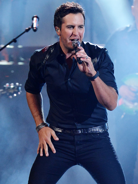 American Music Awards 2013 | Thank you, Luke Bryan, for bringing a little Matthew-McConaughey-in- Magic Mike to this program via the most gloriously, opportunistically rap-trope-exploiting pop-country song of the year,…