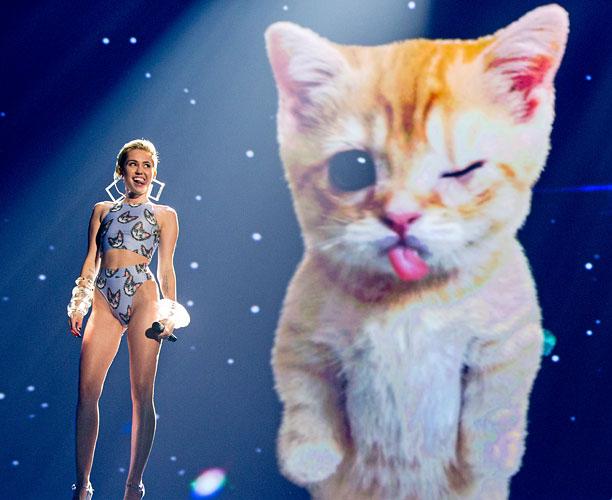 Miley AMAs
