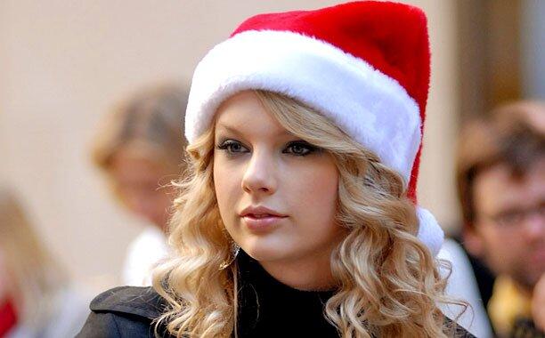 Taylor Swift Talks Favorite Christmas Songs Next Album Ew Com