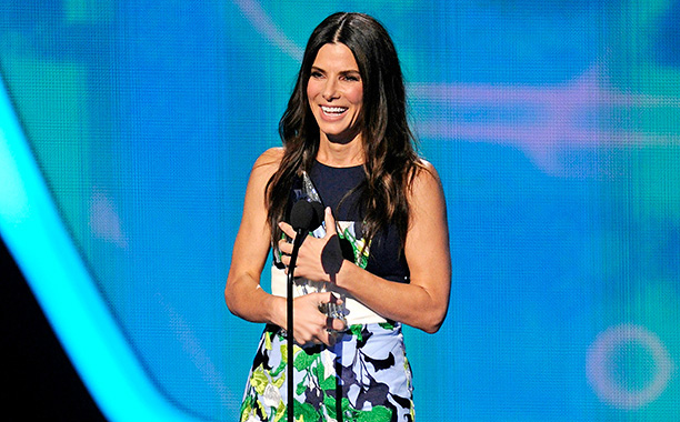 Peoples Choice Awards Sandra Bullock 09