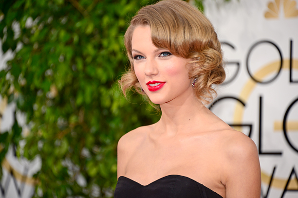 Taylor Swift Writes Touching Note To Fan Whose Mother Died Ew Com