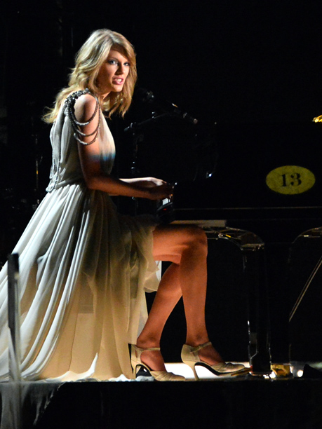 Grammy Awards, Grammy Awards 2014 | Piano, emotions, hair: T-Swift brought it, and then some. The awards-show vet silenced the critics (aka Twitter) with an all-in, headbang-heavy rendition of ''All Too…