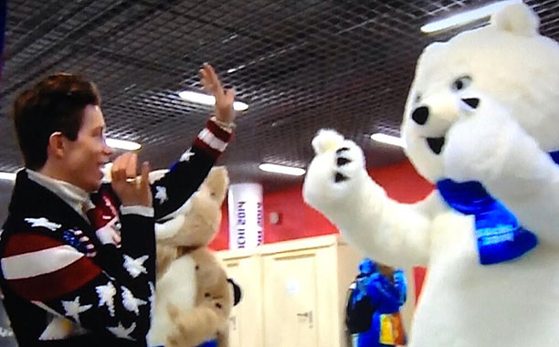 Winter Olympics 2014 | This momentary high five/double thumbs up confusion between Shaun White and a polar bear.