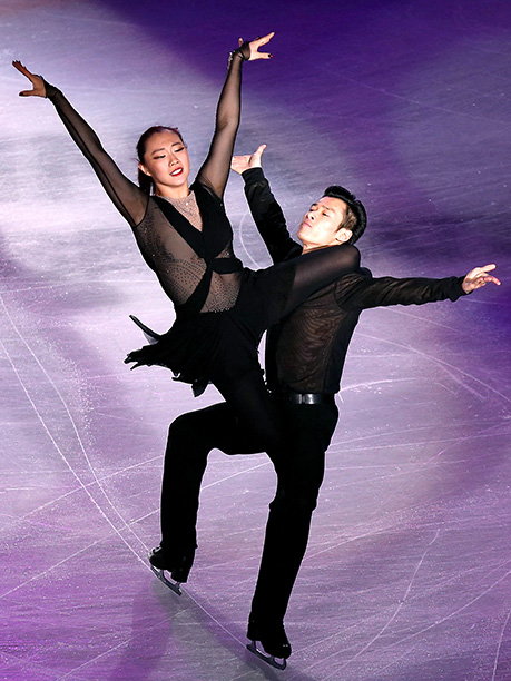 Winter Olympics 2014   Age: 20 and 22 Sport: Ice Dancing Team: China Fun Fact: YiYi enjoys painting, dancing, and singing in her spare time while her partner enjoys…