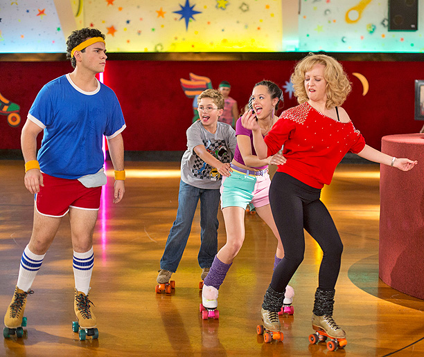 '' The Goldbergs is #EWCriminallyUnderrated. Funniest show on TV!'' — Jennifer