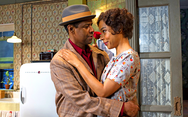 A RAISIN IN THE SUN Denzel Washington and Sophi Okonedo