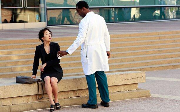 Grey S Anatomy Shonda Rhimes And Sandra Oh On Burke S Return Ew Com