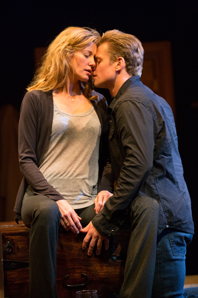 SEX WITH STRANGERS Anna Gunn and Billy Magnussen