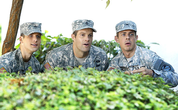 Chris Lowell, Geoff Stults | A FEW BELOW-AVERAGE MEN Enlisted has potential to revive a genre made famous by M*A*S*H .