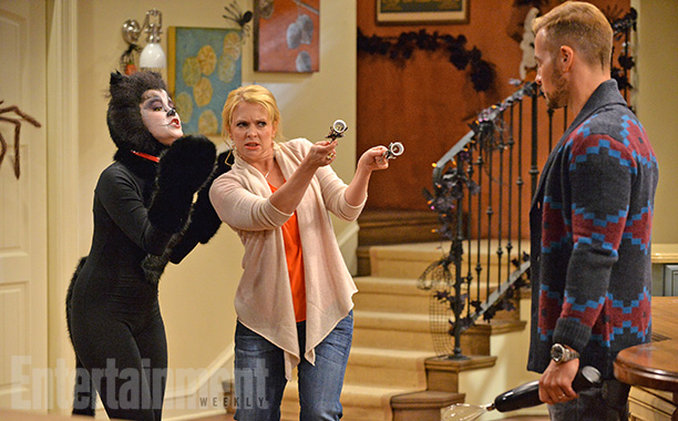 Oct. 22: Lennox (Taylor Spreitler) as a black cat with Melissa (Melissa Joan Hart) and Joe (Joey Lawrence), Melissa & Joey