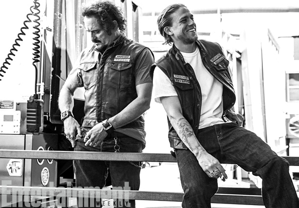 Hunnam, pictured with Kim Coates (Tig), says one of his favorite fan encounters happened when he was killing time outside a shop in East L.A.…