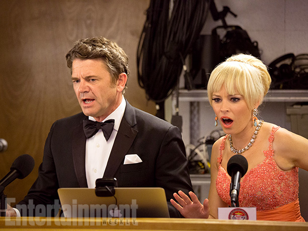 John Smith (John Michael Higgins) and Gail (Elizabeth Banks)