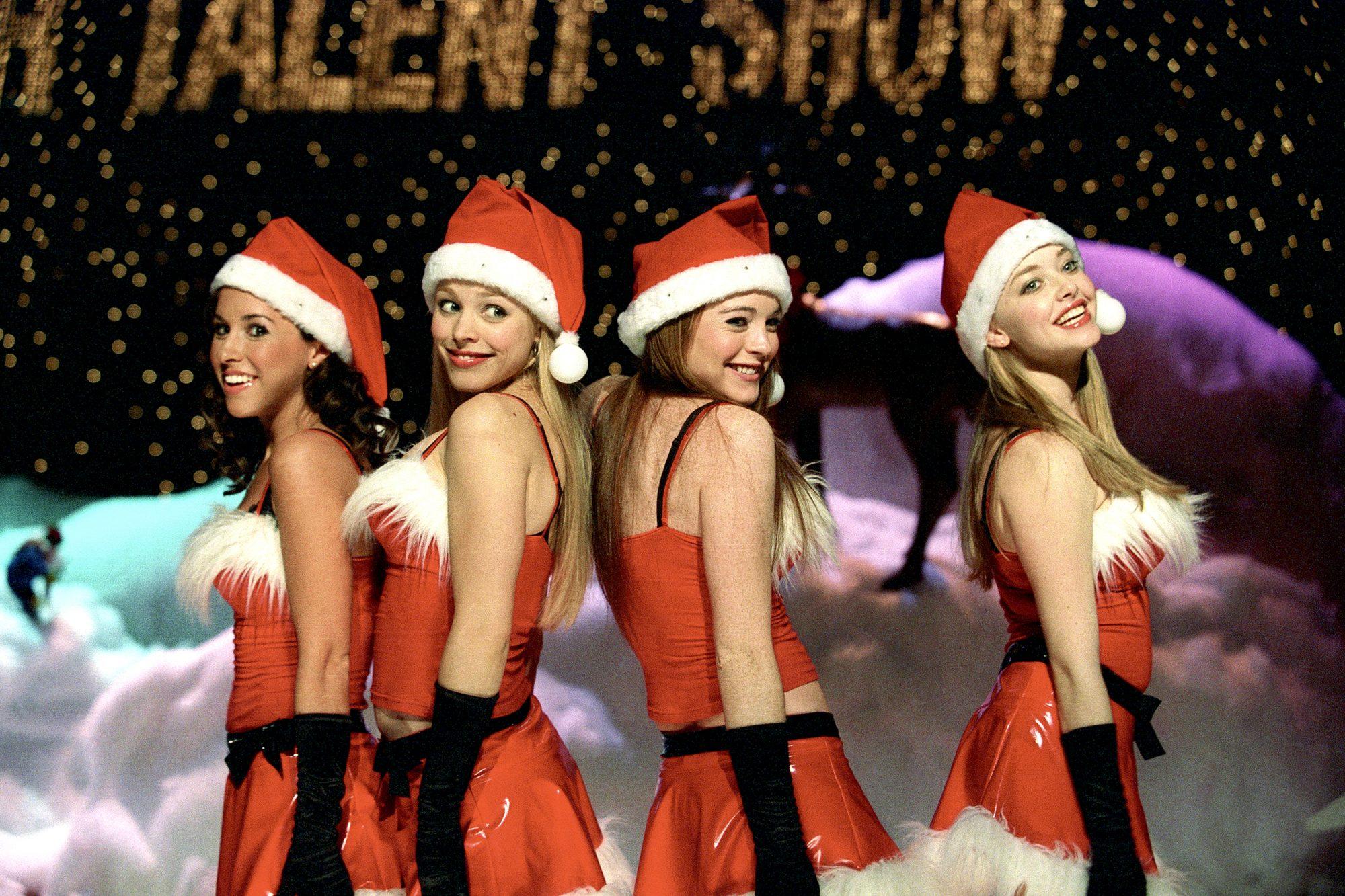 MEAN GIRLS, Lacey Chabert, Rachel McAdams, Lindsay Lohan, Amanda Seyfried, 2004, (c) Paramount/court