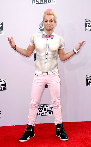 American Music Awards   Talk about a custom fit! The Big Brother alum opted for a spray-painted button down in lieu of an actual shirt at the American Music…