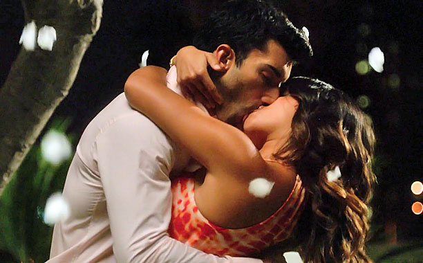 Rafael Kisses Jane, Jane the Virgin