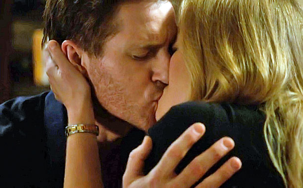 Joel and Julia Kiss?Over Divorce Papers, Parenthood