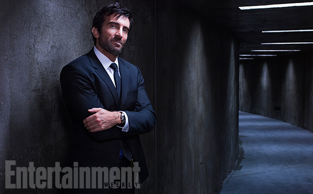 Det. Christian Walker (Sharlto Copley)