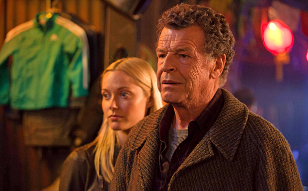 Episode: ''Transilience Throught Unifier Model-11,'' 2012 First previewed in the season 4 episode ''Letters of Transit,'' Fringe 's final season time jump saw the plot…