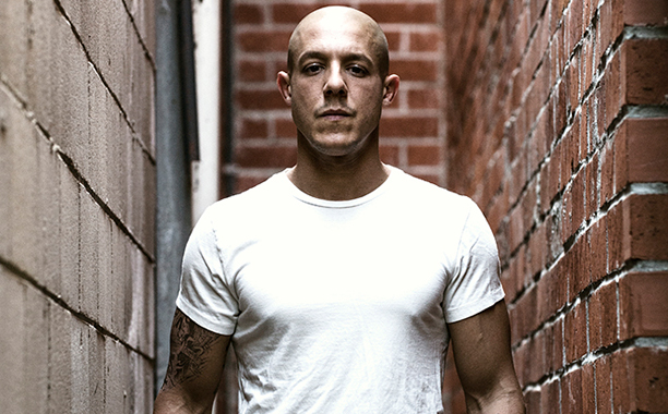 THEO ROSSI 01