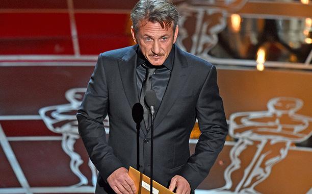 Sean Penn makes things awkward
