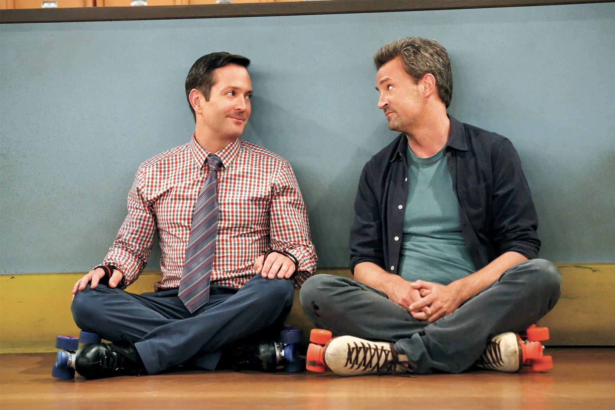 Thomas Lennon and Matthew Perry in The Odd Couple
