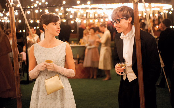 THE THEORY OF EVERYTHING Felicity Jones and Eddie Redmayne